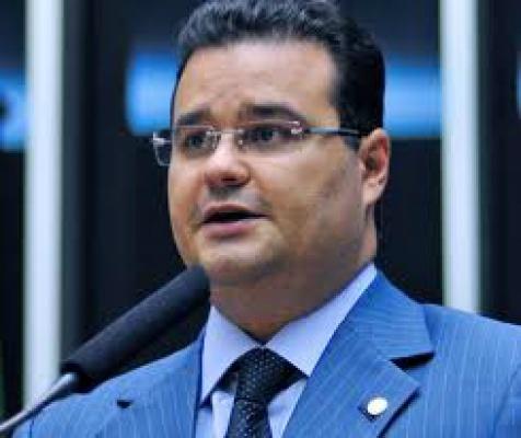 Fabio Trad apresenta três relatórios para mudar Lei de Licitações