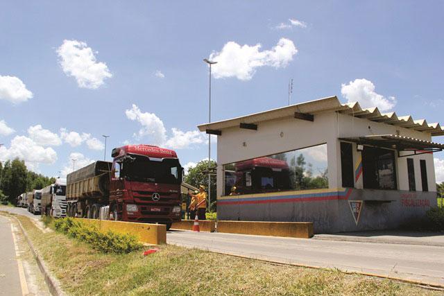 DER reinicia controle de cargas nas rodovias estaduais