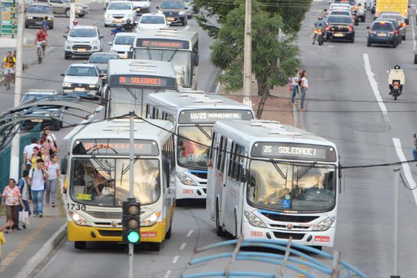 Prefeitura adia licitação dos transportes por 30 dias