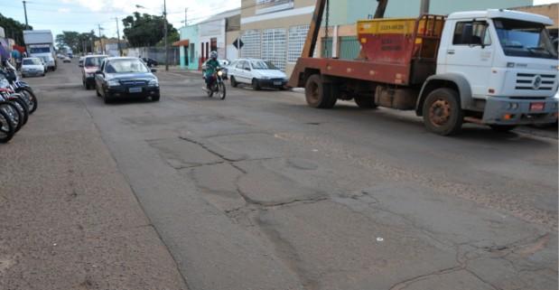 Prefeitura e Exército assinam convênio para recapear ruas da Campo Grande