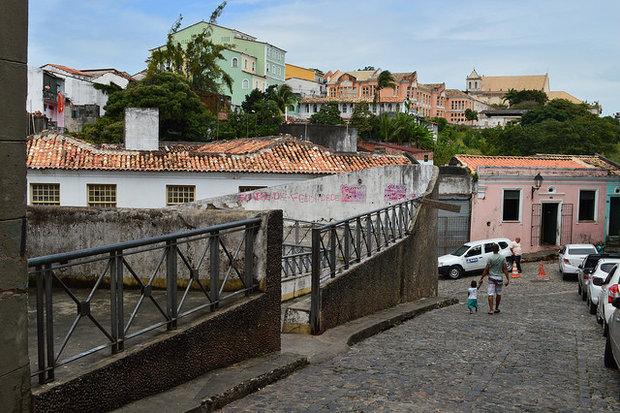 Após decisão judicial, estacionamentos reabrem no Pelourinho a R$ 7