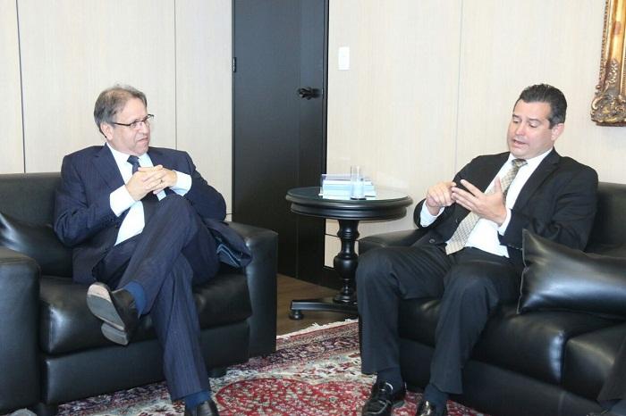 Ministro garante a governador licitação da ponte Xambioá/São Geraldo para este mês