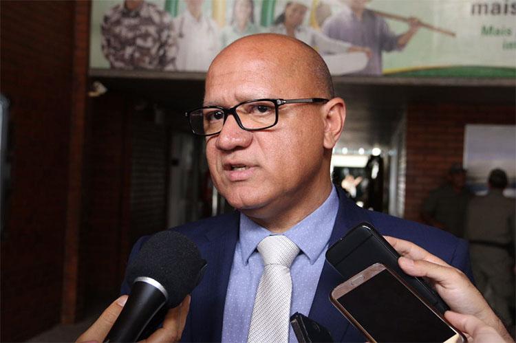 Secretário manda suspender licitação de R$ 10 milhões para quentinhas