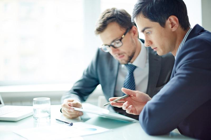 Participação de empresas com sócio em comum na mesma licitação