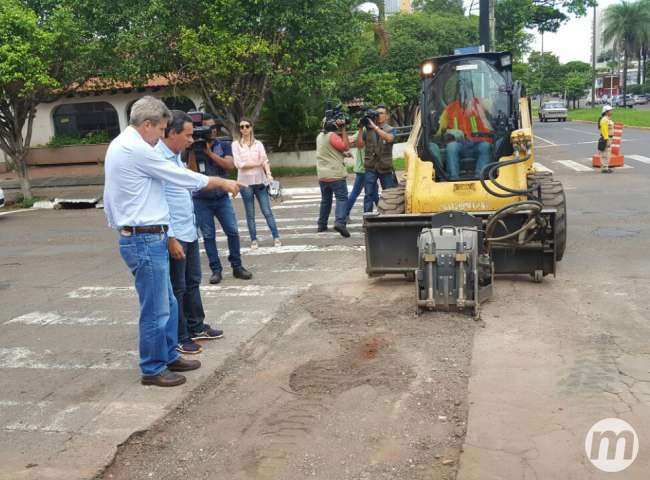 Secretário revela que Prefeitura fará nova licitação de tapa-buraco em 2017