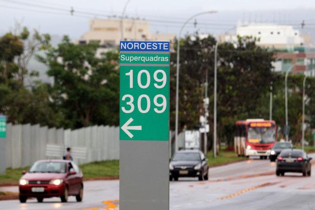 No Setor Noroeste, já foram instaladas 245 placas de sinalização de endereços. Segundo a Terracap, outras 51 ainda serão colocadas à medida que as projeções forem construídas e habitadas. Foto: Toninho Tavares/Agência Brasília