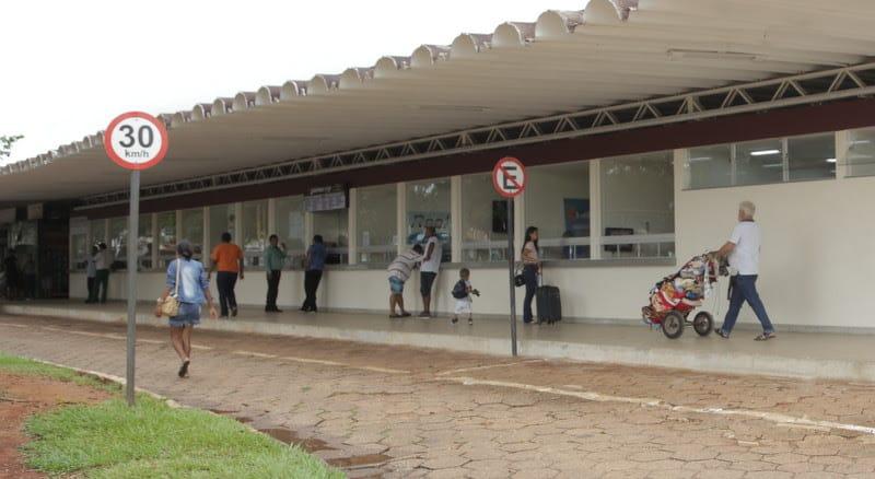 Em Araguaína, Dimas abre licitação para término da obra da Rodoviária