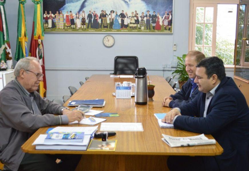 Executivo e Corsan avaliam andamento das obras em Ijuí