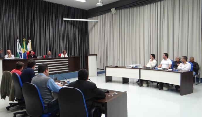 Vereadores de Apucarana terão notebooks para uso nas sessões