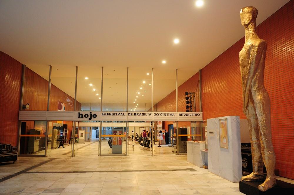 GDF abre licitação para Cine Brasília receber novo café bistrô